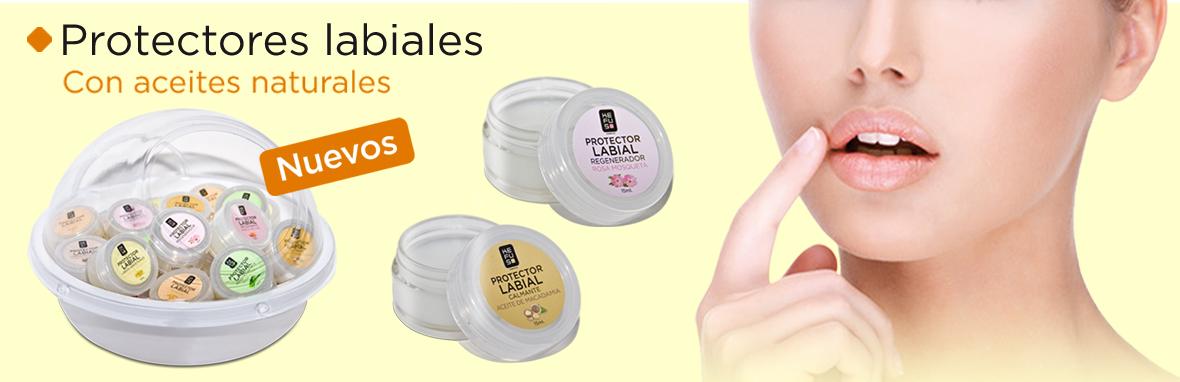 ¿Sabías que la piel de los labios es mucho más fina y sensible que la del resto del rostro y por eso se deshidrata y se seca con más facilidad?